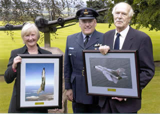 Trustee XV Squadron Commander and Donald Heughan with Tornado Photographs